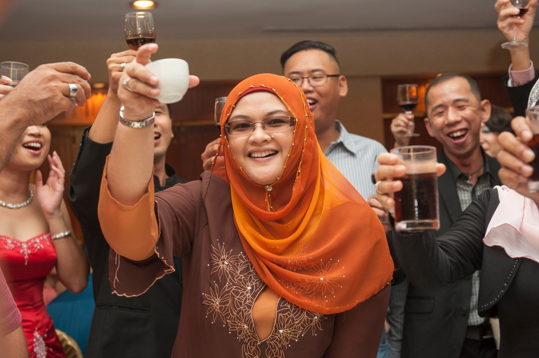 "Traditional ""Yum Sing"" , a toast to congratulate the wedding couple"