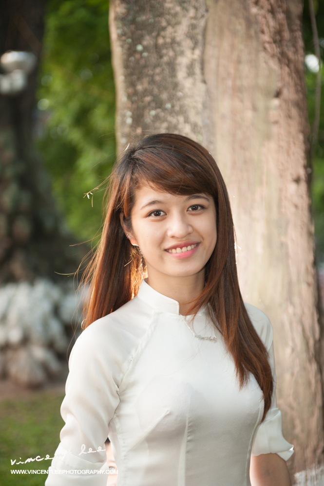 Portrait session 2 with traditional Vietnamese ao dai - Hanoi