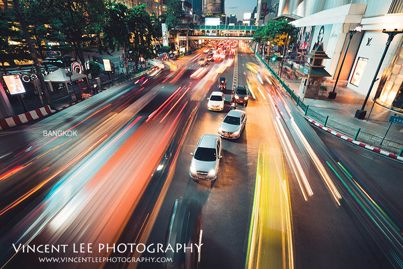night scenes busy street